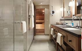 badezimmer mit sauna im löwen hotel montafon in österreich
