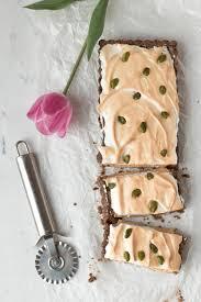 rezept für eine schoko rhabarber baiser tarte