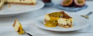 crème brûlée cheesecake mit mango maracuja soße