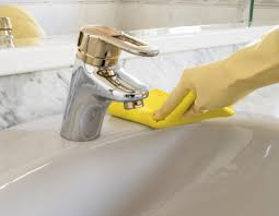 Drano To Clean Bathtub by How To Clean Gold Faucets Maintaining Gold Plated Bathroom Fixtures