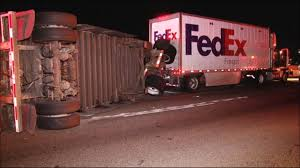 A Driver Died Early Thursday Morning After An Accident With A FedEx ... Trainworx 428891318 Fedex Freight Trailer 28ft 1160 Dmtoys Semi Truck With Logo Driving Along Forest Road The Truck On Catalina Island Is Adorable Imgur Head Of Wants Laws To Make Drivers More Like Investigators Reveal Timeline Deadly Crash Fedex Freight Phone Number Acurlunamediaco A Driver Died Early Thursday Morning After An Accident A Tractor Trailer Delivery Hydraulic Fed Ex Stock Photos Images Alamy Volvo Multimodal Container Flickr Invests In Cng Fueling At Okc Service Center