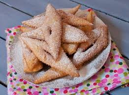 bugnes moelleuses ou craquantes beignets de carnaval