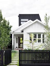 100 Weatherboard House Designs A Black Fence House Facade House Front