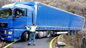 100 Picture Of Truck IDIOT Driver Compilation 4 Bad Er Skills On Road Commentary