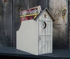 Outhouse Themed Bathroom Accessories by Best 25 Outhouse Bathroom Decor Ideas On Pinterest Country