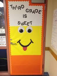 Halloween Classroom Door Decorations by The 25 Best Fall Doors Ideas On Pinterest Preschool Door