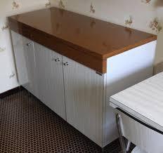 cache meuble cuisine cache meuble cuisine meuble de cuisine blanc avec 2 portes et 4