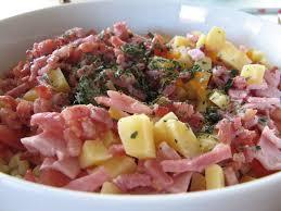 salade de pâte au lardons tomates fromage et au basilic a la