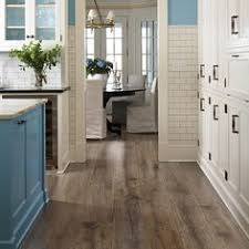 Pergo Max Laminate Flooring by This Pergo Max Premier Heathered Oak Flooring Gives This Stylish