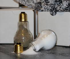 20 Awesome DIY Ideas For Recycling Old Light Bulbs