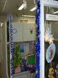 Cubicle Decoration Themes For Competition by Top Office Christmas Decorating Ideas Christmas Celebrations