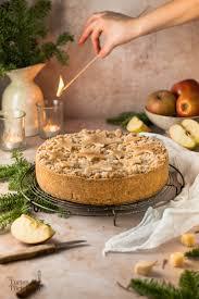 einfacher apfel streuselkuchen mit marzipan und mürbeteig