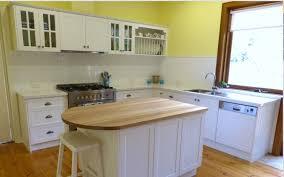 cuisine bois laqué cuisine bois massif laque blanche woodmkc 23 cuisine design deluxe
