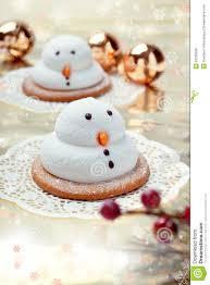 deux biscuits de bonhommes de neige de guimauve photo stock