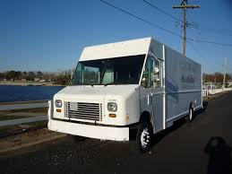 Non Cdl Up To 26,000# Gvw | Vans | Trucks For Sale