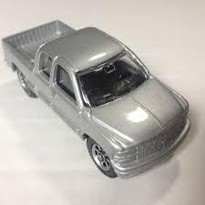 Maisto Chevy Silverado 2 Door Extra Cab W/ Tow Hitch 3