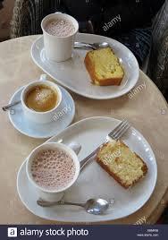 pause mit kaffee und kuchen stock photo alamy