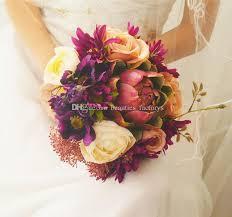 European Retro Palace Bride Holding Bouquet Artificial Cascading