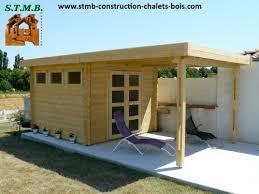 cuisine d ete pas cher construire une cuisine d ete 7 chalet de jardin 224 toit plat