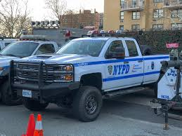 NYPD Emergency Service Truck (x-post /r/policeporn) : Trucks