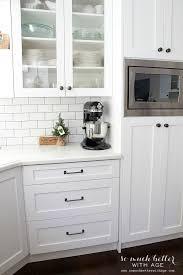 Kitchen Cabinet Hardware Placement by Kitchen Shaker Kitchen Cabinets Cream Kitchen Cabinets Off White