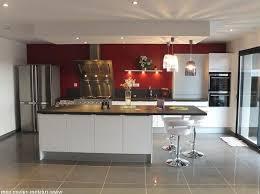 cuisine bois design design de cuisine moderne comptoir de granit noir élégant