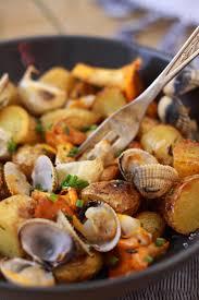cuisiner des pommes de terre ratte salade de pommes de terre ratte aux coques et aux girolles