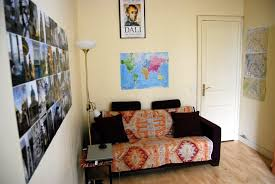 chambre cottage free images home cottage property living room sofa bedroom