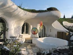 100 House Earth House