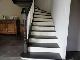 peindre un escalier sans poncer peinture pour bois sans poncer affordable poutres salon blanchies