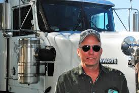 ELD Protests Day 2: Truckers Roll In, Stage Along Rigs In Front Of ...
