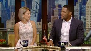Kelly Ripa And Michael Strahan Halloween 2015 by Kelly Ripa U0027s Husband Agrees With Bieber Kelly Is 96 9