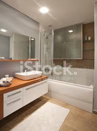 modernes hotel badezimmer stockfotos freeimages