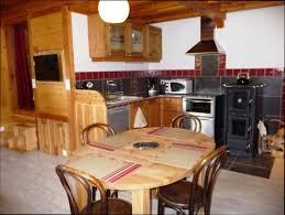 cuisine poele a bois cuisine vieux bois best cuisine meuble cuisine en vieux bois