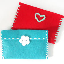 Upgrade Your Gifts With Easy DIY Felt Gift Card Pouches These Simple Envelopes Are Perfect
