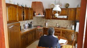 renover cuisine rustique aidez moi à moderniser cette cuisine rustique