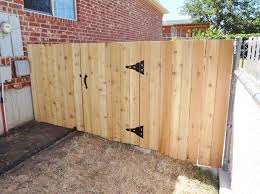 build a wooden fence and gate 14 steps with pictures