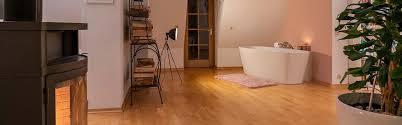 badezimmer badewanne kamin holzboden header zitzelsberger gmbh