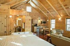 Berlin Ohio Cabin Rentals Amish Country Living Room & Bed Tree