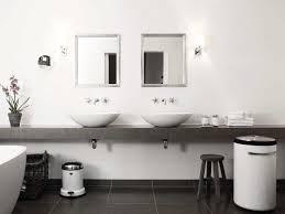 Bathroom Wastebasket With Lid by Bathroom White Bathroom Trash Can 18 Small Wastebasket With Lid