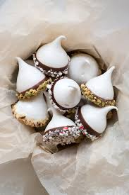 Christmas Tree Meringues Tesco by Ghirardelli Chocolate Dipped Meringue Kisses Good For A