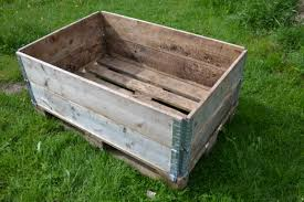 En Lastpall Med Tva Monterade Pallkragar Ovanpa Pallet With Two Stacked Collars On Top You Can Create Raised Beds