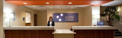 Front Desk Receptionist Salary Seattle by Seatac Hotel Holiday Inn Express U0026 Suites Sea Tac Airport Hotel