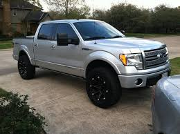 20x10 wheels with 35s and a leveling kit Page 2 Ford F150