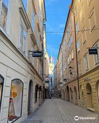 city altes rathaus travel guidebook must visit