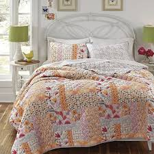 The Nature Inspired Daydream Quilt Set Is Constructed From Pure Cotton And Perfect Addition To Your Bedroom Decor Shams Feature A