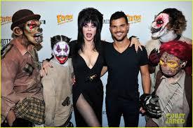 Knotts Berry Farm Halloween Haunt Jobs by Taylor Lautner Gets Scary At Knott U0027s Berry Farm Photo 878579