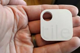 Tile Key Finder Nz by Chipolo Vs Trackr Vs Tile Vs Wuvo The Ultimate Tracking Device