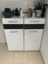 2 moderne badezimmerschränke weiß hochglanz front
