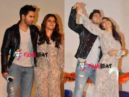 CUTE PICS When Shahrukh Khan ed Varun Dhawan Kriti